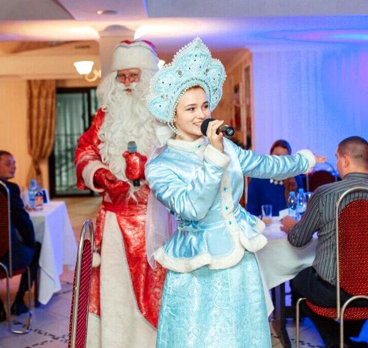 Дед Мороз и Снегурочка. Код 2018-03.