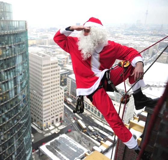 Дед мороз в окно!!!